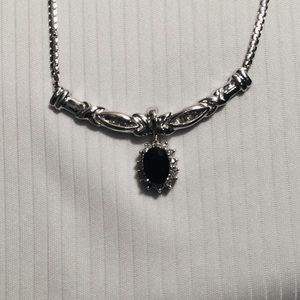 Necklace white gold and sapphire